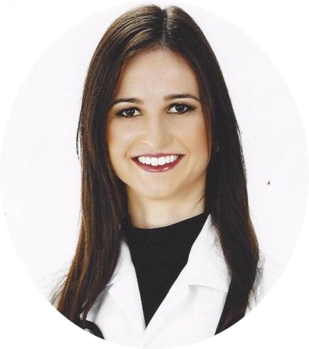 Dra. Elisandre Caroline dos Santos