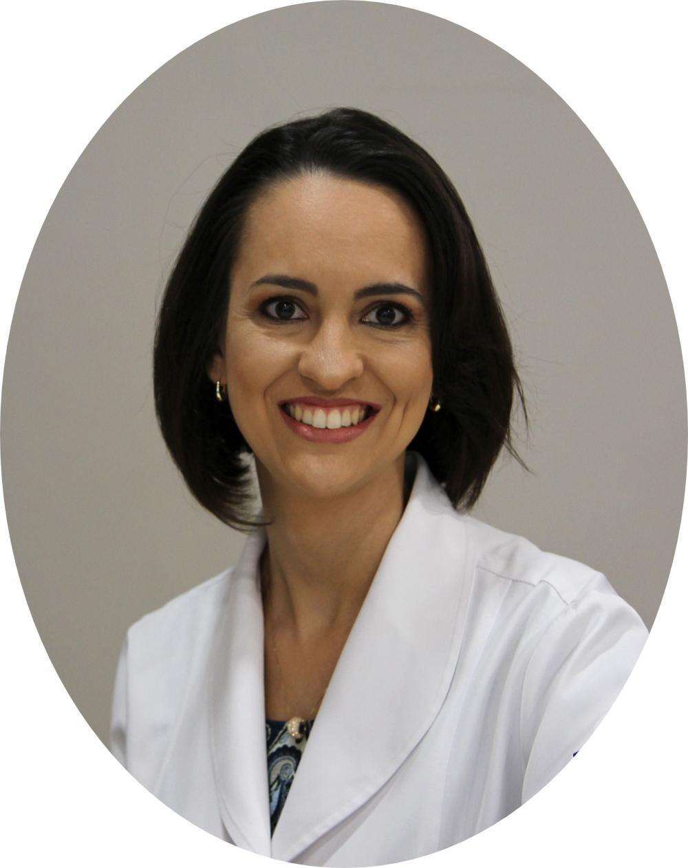 Dra. Aline Matos
